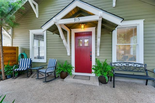 Photo of home for sale at 915 51st ST E, Austin TX