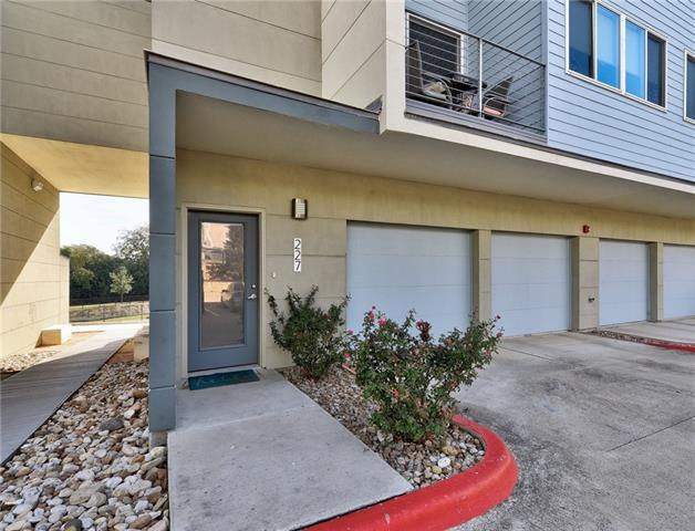 Photo of home for sale at 604 Bluff DR N, Austin TX