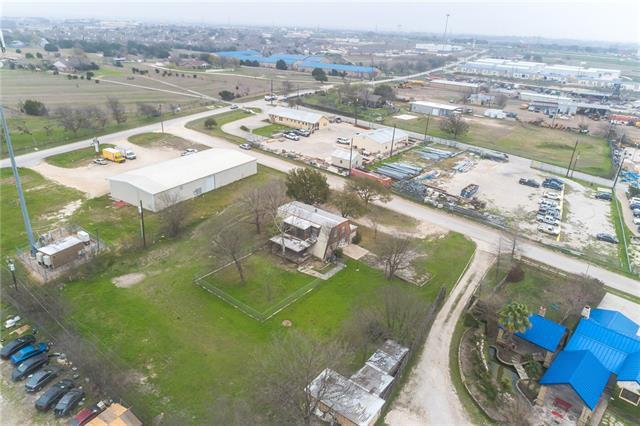 Photo of home for sale at 20500 Keilman LN, Pflugerville TX