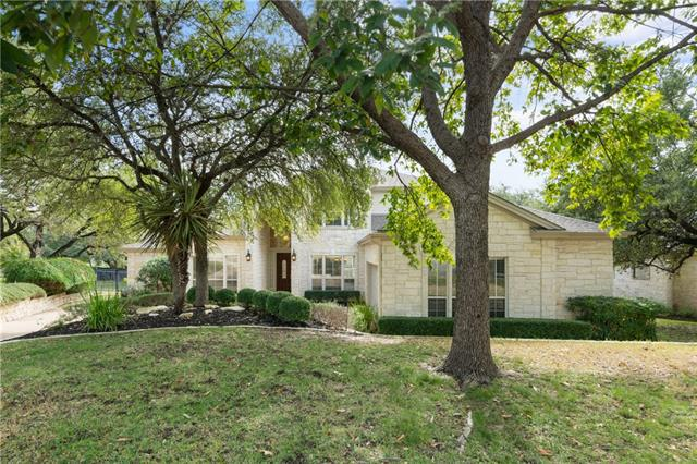Photo of home for sale at 104 Tallstar DR, Lakeway TX