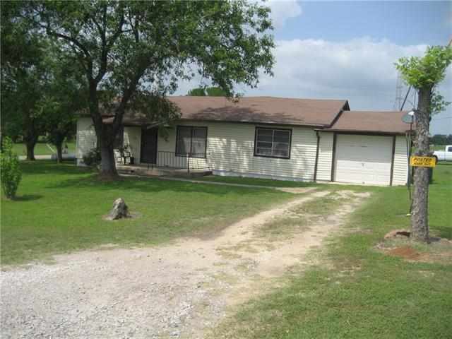 Photo of home for sale at 319 Lincoln DR, Luling TX