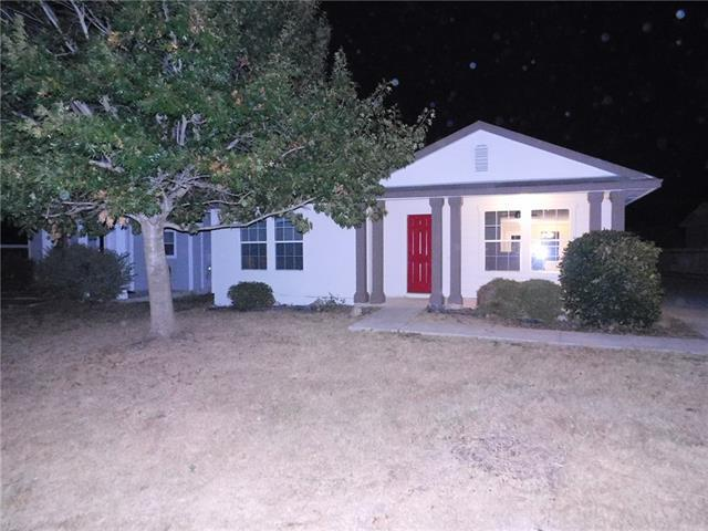 Photo of home for sale at 13700 Briarcreek LOOP, Manor TX