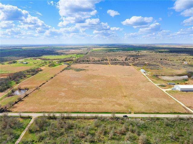 Photo of home for sale at 1119 County Road 301, Elgin TX