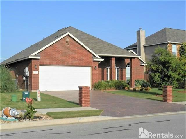 Photo of home for sale at 120 Emory Fields DR, Hutto TX