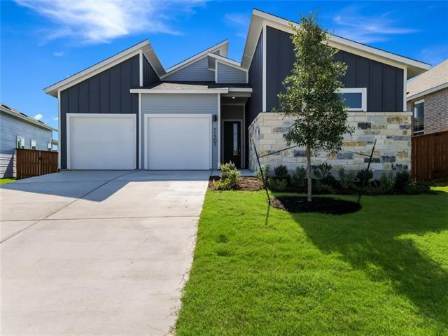 Photo of home for sale at 11505 American Mustang LOOP, Manor TX