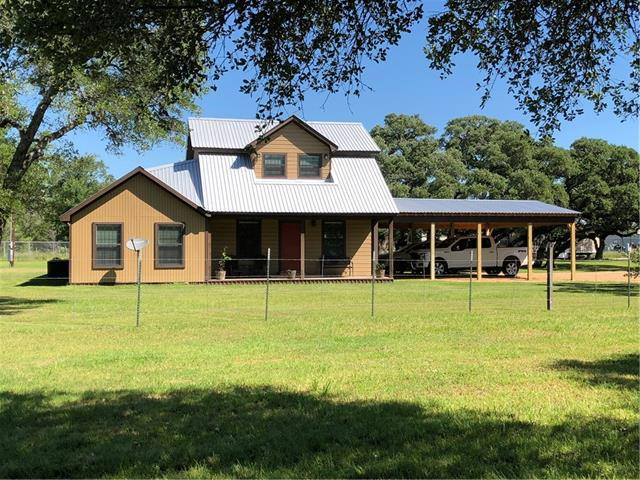 Photo of home for sale at 1026 County Road 233, Giddings TX