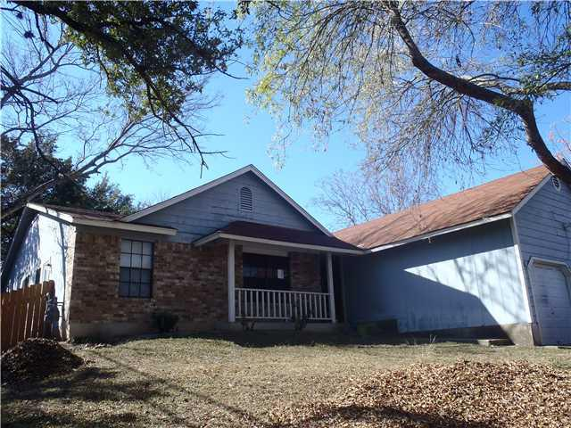 Photo of home for sale at 11602 April DR, Austin TX