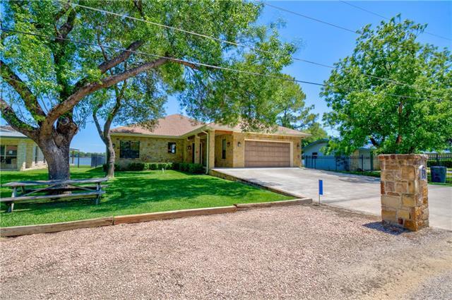 Photo of home for sale at 512 Beach N, Sunrise Beach TX