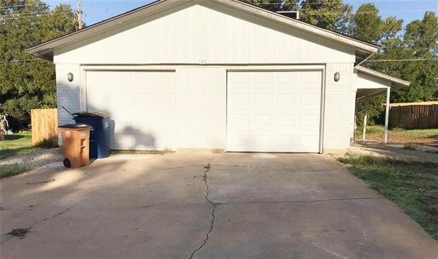 Photo of home for sale at 6908 Millrace DR, Austin TX