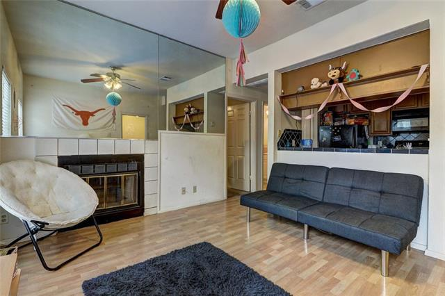 Photo of home for sale at 1000 25th ST W, Austin TX