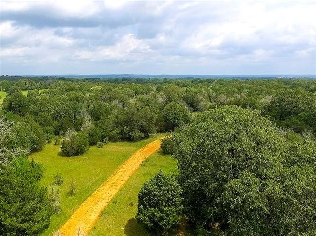 Photo of home for sale at 101 Young RD, Smithville TX