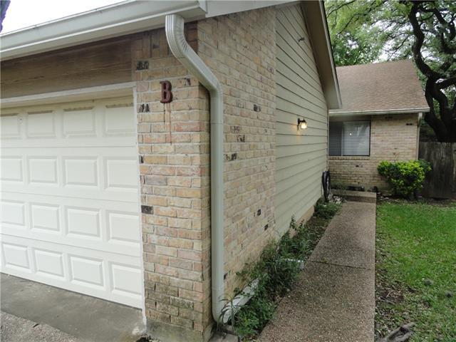 Photo of home for sale at 8003 FOREST MESA DR, Austin TX