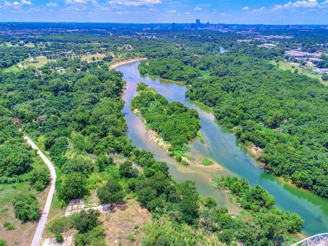 Photo of home for sale at 6218 & 6220 Grove DR, Austin TX