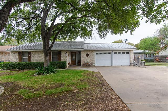 Photo of home for sale at 1412 Normeadows CIR, Round Rock TX