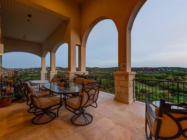 Photo of home for sale at 1509 Mesa Ridge LN, Austin TX