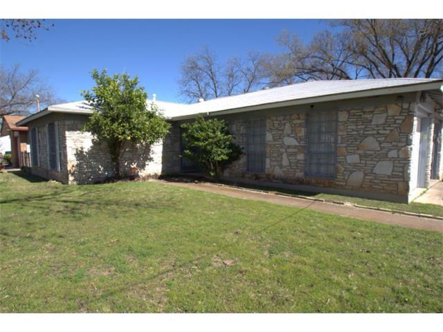 Photo of home for sale at 1171 Angelina ST, Austin TX