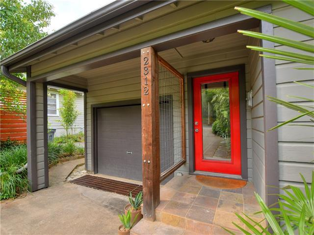 Photo of home for sale at 2312 Indian TRL, Austin TX