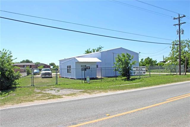Photo of home for sale at 1415 Commerce ST S, Lockhart TX