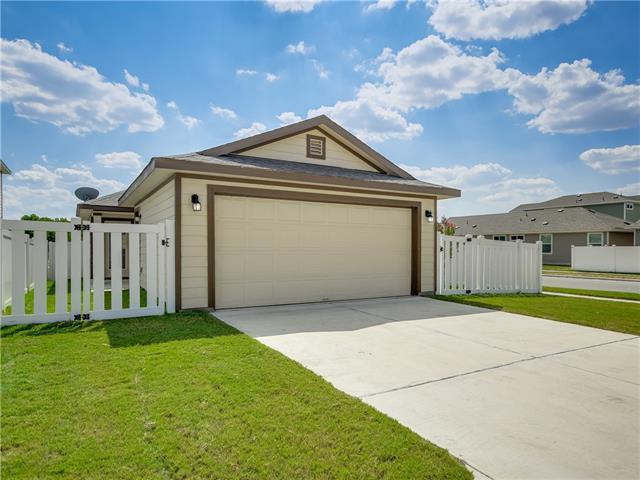 Photo of home for sale at 300 Craters Of The Moon BLVD, Pflugerville TX