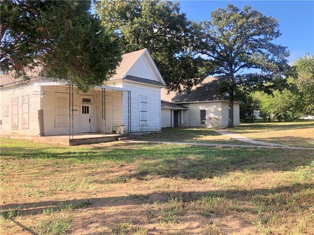 Photo of home for sale at 415 Brenham ST E, Elgin TX
