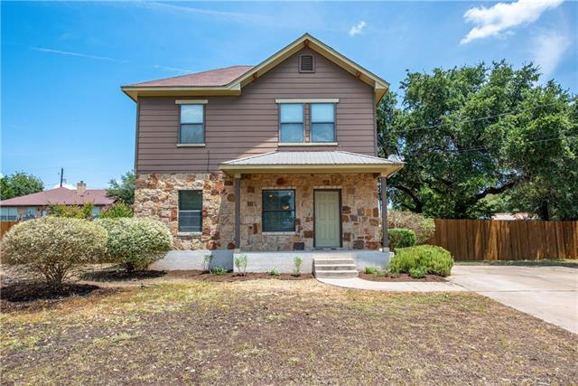 Photo of home for sale at 15104 Bowling LN, Austin TX