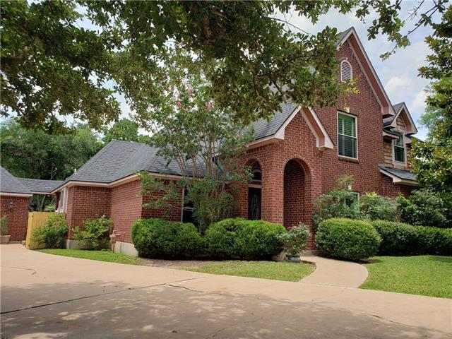 Photo of home for sale at 1110 Twin Creek DR, Pflugerville TX