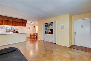 Photo of home for sale at 910 Duncan LN, Austin TX