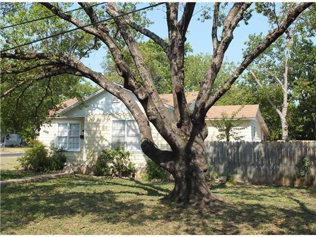 Photo of home for sale at 5400 Harmon AVE, Austin TX