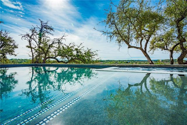 Photo of home for sale at 501 Thomassen Ranch RD, Dripping Springs TX