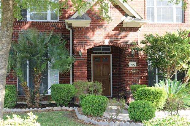 Photo of home for sale at 807 Caribou Ridge, Pflugerville TX