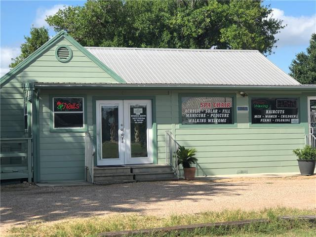 Photo of home for sale at 398 Old Austin HWY, Bastrop TX