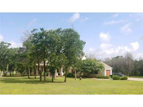 Property for sale at 106  Eight Oaks Dr, Bastrop,  Texas 78602