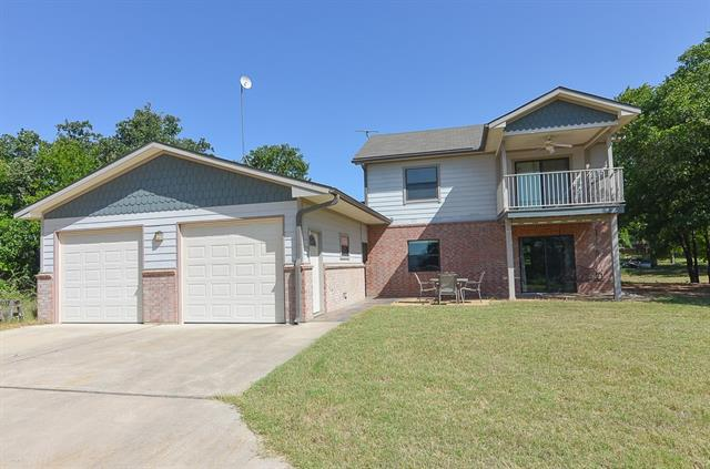 Photo of home for sale at 108 Woodlawn DR, Kingsland TX