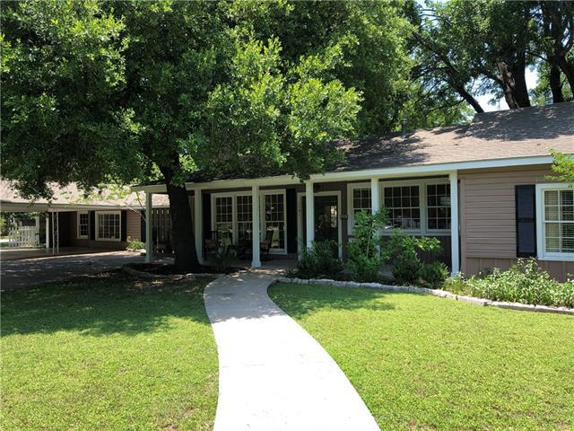 Photo of home for sale at 1121 Maple ST, Lockhart TX