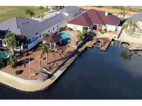 Property for sale at 401 Porpoise Dr Dr, Aransas Pass,  Texas 78336