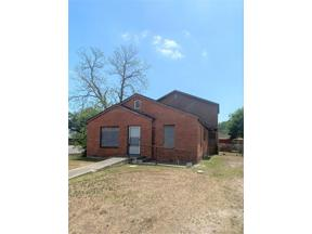 Property for sale at 1042 4th Street E, Alice,  Texas 78332