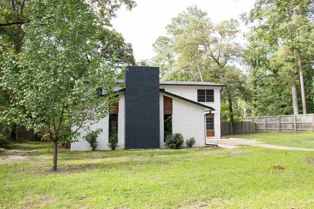 Photo of home for sale at 1013 Akin, Longview TX