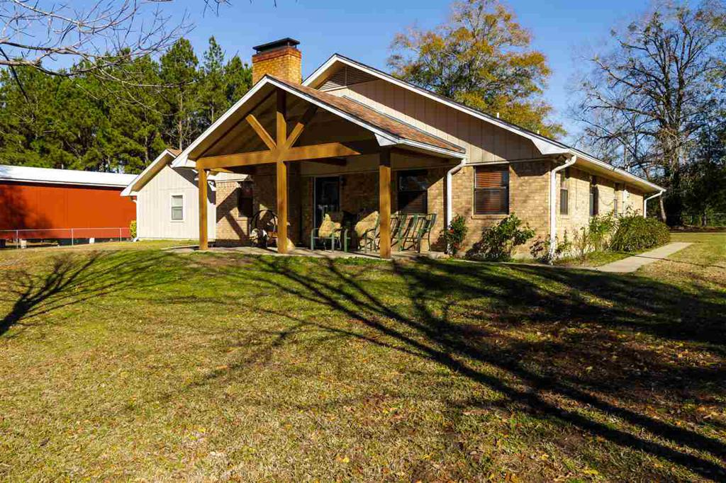 Photo of home for sale at 132 COUNTY ROAD 168, Longbranch TX