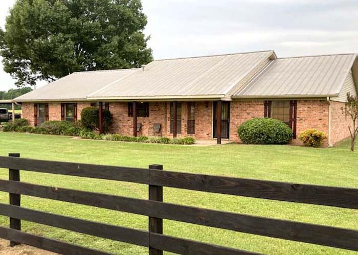 Photo of home for sale at 4365 Rupe Huffman Rd, Longview TX