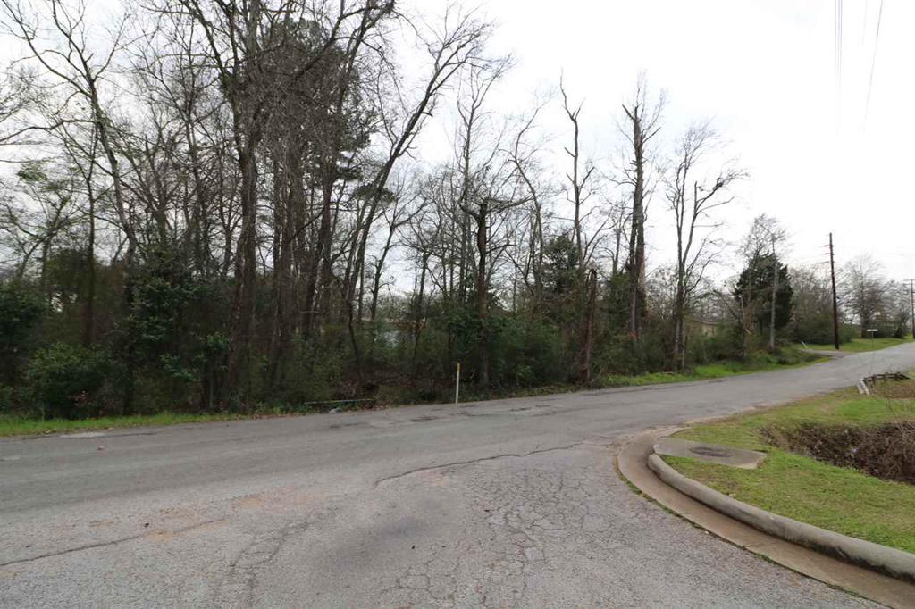 Photo of home for sale at TBD UTZMAN, Kilgore TX