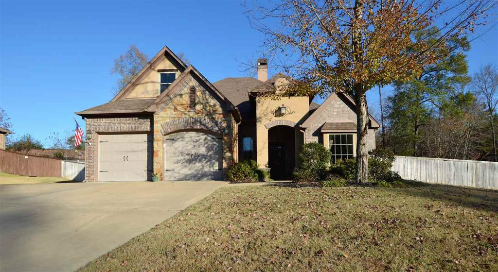 Photo of home for sale at 2205 Winding Run Ln, Longview TX