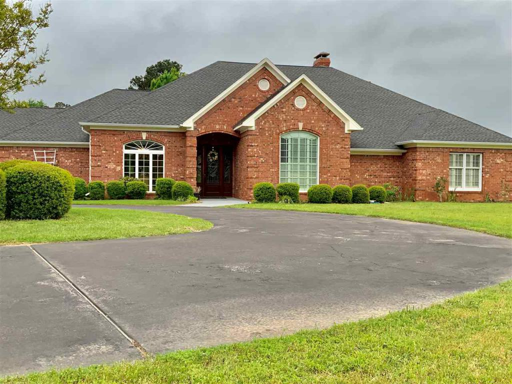Photo of home for sale at 3165 Highway 271, Pittsburg TX