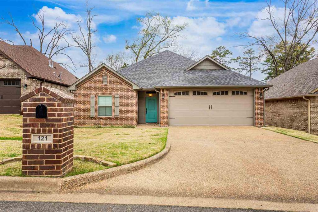 Photo of home for sale at 121 Ron Boyett, White Oak TX