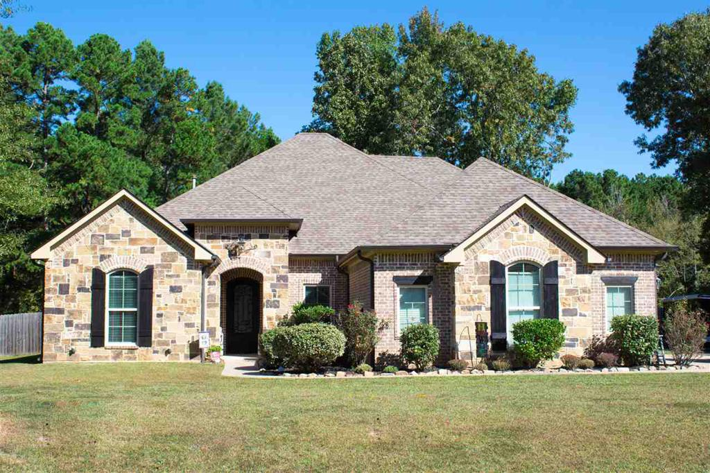 Photo of home for sale at 282 Burton Dr, Longview TX
