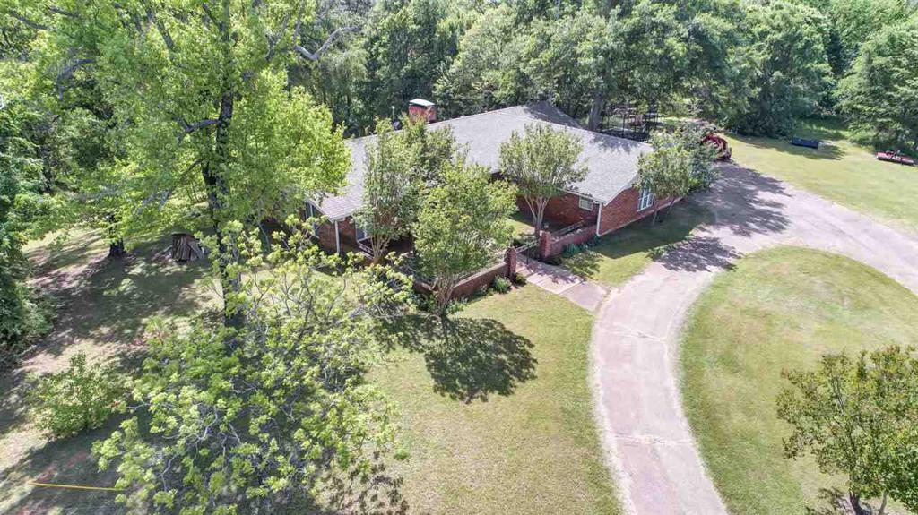 Photo of home for sale at 18298 CR 122, Tyler TX