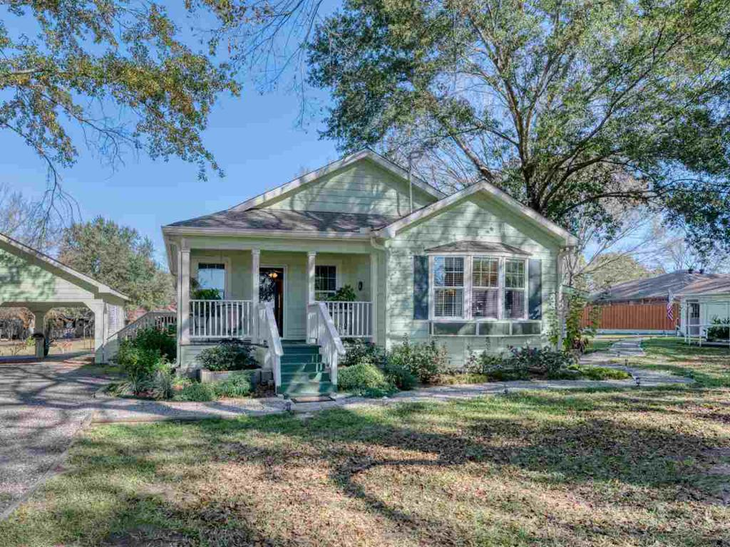 Photo of home for sale at 10825 CR 1282, Bullard TX