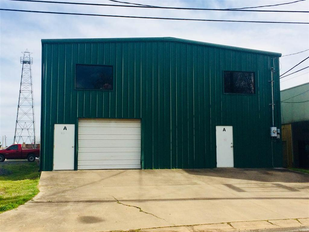 Photo of home for sale at 428 Longview St N, Kilgore TX