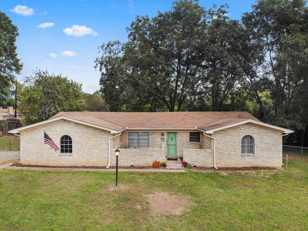 Photo of home for sale at 2206 Gay, Gladewater TX
