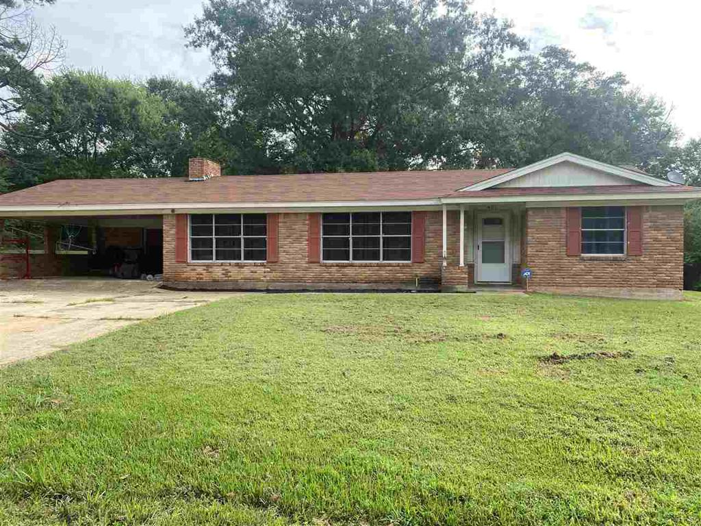 Photo of home for sale at 405 Daingerfield St, Naples TX
