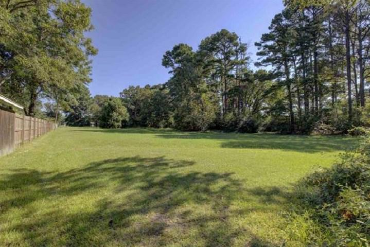 Photo of home for sale at 0 Galleria Oakes Dr., Texarkana TX